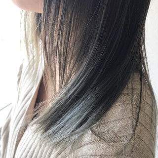 セミロング インナーカラー 春ヘア グラデーションカラー ヘアスタイルや髪型の写真・画像