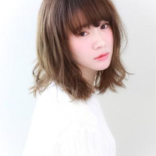 ゆるふわ ミディアム フェミニン 大人かわいい ヘアスタイルや髪型の写真・画像