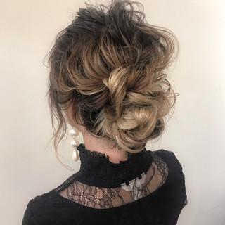 結婚式 大人かわいい ミディアム ゆるふわ ヘアスタイルや髪型の写真・画像