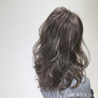 ハイライト ロング ガーリー アッシュ ヘアスタイルや髪型の写真・画像