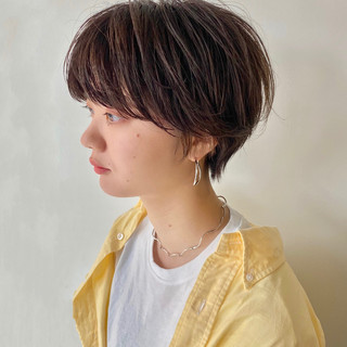 ショートボブ アンニュイ ショートヘア ナチュラル ヘアスタイルや髪型の写真・画像