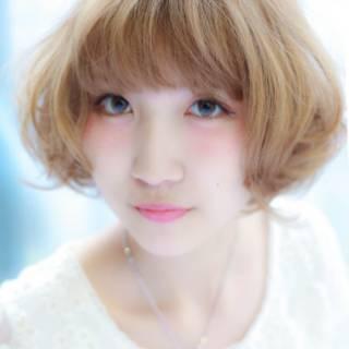 フェミニン アッシュ ガーリー ナチュラル ヘアスタイルや髪型の写真・画像