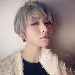ハイトーン ショート モード カラフルカラー ヘアスタイルや髪型の写真・画像