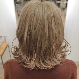 ガーリー アッシュ 巻き髪 ブラウン ヘアスタイルや髪型の写真・画像