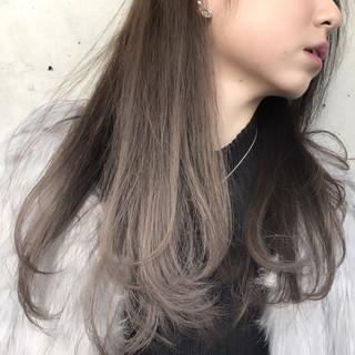ハイライト グラデーションカラー ロング アッシュ ヘアスタイルや髪型の写真・画像