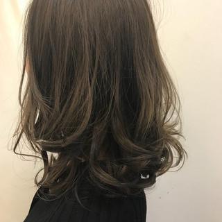 ナチュラル グラデーションカラー リラックス セミロング ヘアスタイルや髪型の写真・画像