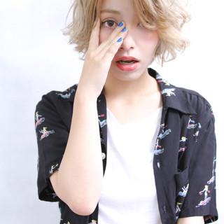 ショート 渋谷系 グラデーションカラー アッシュ ヘアスタイルや髪型の写真・画像