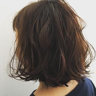 デート 女子会 ウェーブ アンニュイ ヘアスタイルや髪型の写真・画像