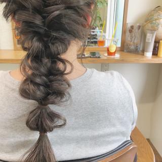 ヘアアレンジ アンニュイほつれヘア セミロング アウトドア ヘアスタイルや髪型の写真・画像