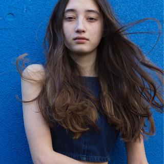 ストリート ロング ゆるふわ ウェーブ ヘアスタイルや髪型の写真・画像