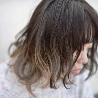 グラデーションカラー パーマ 外国人風 セミロング ヘアスタイルや髪型の写真・画像