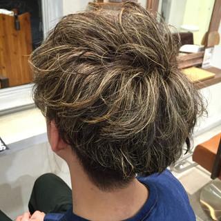 ブリーチ ダブルカラー メンズ ストリート ヘアスタイルや髪型の写真・画像