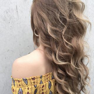 ロング アッシュ ストリート インナーカラー ヘアスタイルや髪型の写真・画像