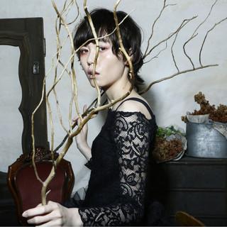 パーマ モード 大人かわいい 黒髪 ヘアスタイルや髪型の写真・画像