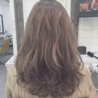 レイヤーカット ストリート セミロング フェミニン ヘアスタイルや髪型の写真・画像