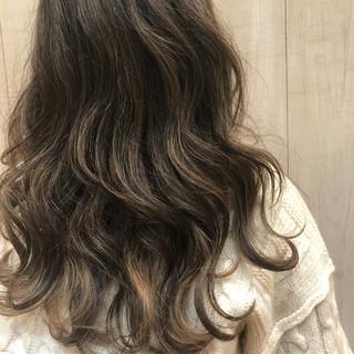 アンニュイほつれヘア フェミニン デート ヘアアレンジ ヘアスタイルや髪型の写真・画像