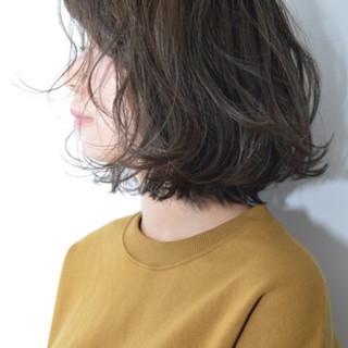 外ハネ 透明感 ショート デート ヘアスタイルや髪型の写真・画像