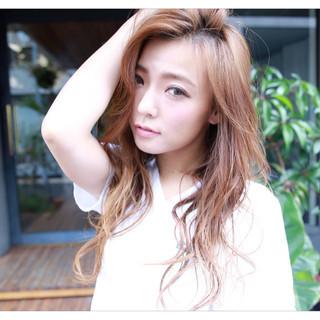 ロング 外国人風 ヘアアレンジ かき上げ前髪 ヘアスタイルや髪型の写真・画像