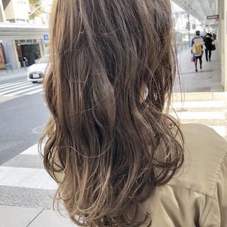 ブラウンベージュ ベージュ ナチュラル アッシュベージュ ヘアスタイルや髪型の写真・画像