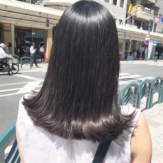 アッシュグレージュ グラデーションカラー アッシュベージュ ナチュラル ヘアスタイルや髪型の写真・画像