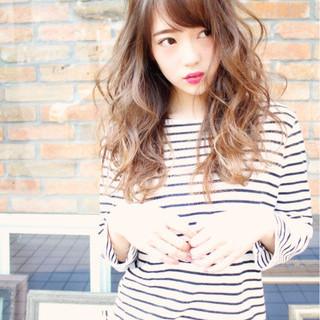 ダブルカラー ハイライト ロング 外国人風 ヘアスタイルや髪型の写真・画像