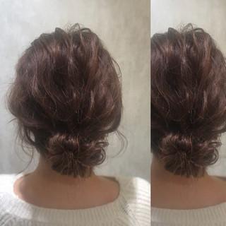 簡単ヘアアレンジ ミディアム お団子アレンジ ナチュラル ヘアスタイルや髪型の写真・画像
