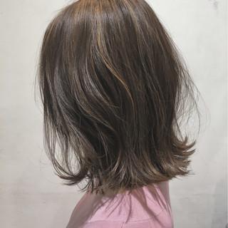 切りっぱなし グレージュ ミルクティー ボブ ヘアスタイルや髪型の写真・画像