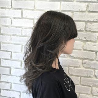 グラデーションカラー ゆるふわ セミロング アッシュ ヘアスタイルや髪型の写真・画像