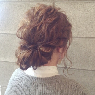 ミディアム ヘアアレンジ パーティ 大人かわいい ヘアスタイルや髪型の写真・画像