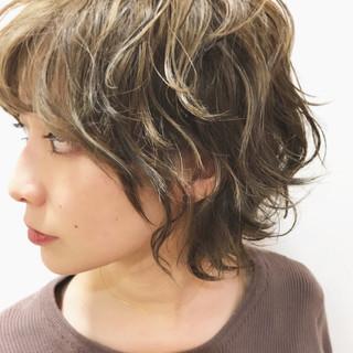 デート ショート 外ハネ ストリート ヘアスタイルや髪型の写真・画像