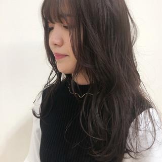 ミディアム コンサバ ピンクブラウン ピンクベージュ ヘアスタイルや髪型の写真・画像