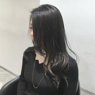 グラデーションカラー コンサバ アッシュ 暗髪 ヘアスタイルや髪型の写真・画像