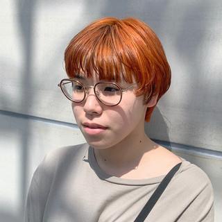 オレンジカラー ショート マッシュ ナチュラル ヘアスタイルや髪型の写真・画像