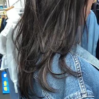 エレガント ミディアムレイヤー 大人ハイライト ハイライト ヘアスタイルや髪型の写真・画像