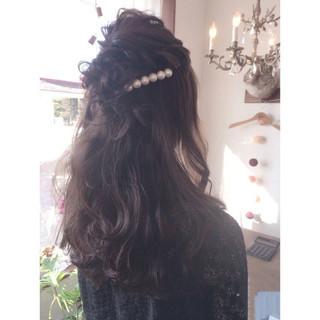 編み込み ナチュラル 結婚式 ショート ヘアスタイルや髪型の写真・画像