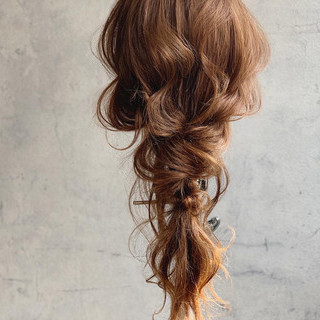 ロング 編み込み フェミニン 編みおろしヘア ヘアスタイルや髪型の写真・画像