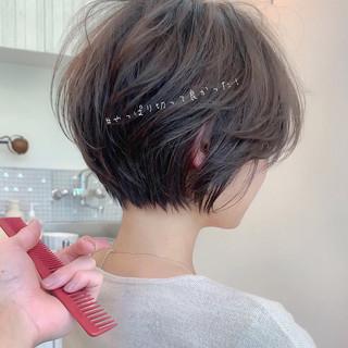 アンニュイほつれヘア ショート ナチュラル ショートヘア ヘアスタイルや髪型の写真・画像