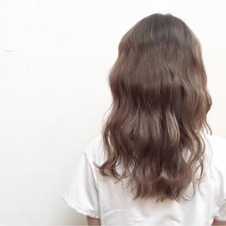セミロング アッシュ ナチュラル 外国人風 ヘアスタイルや髪型の写真・画像