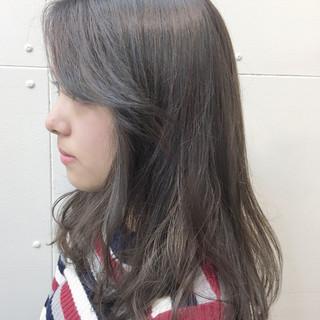 透明感 セミロング アッシュベージュ 秋 ヘアスタイルや髪型の写真・画像