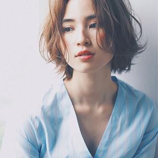 ショート ウェットヘア 秋 外国人風 ヘアスタイルや髪型の写真・画像