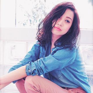 色気 ミディアム コンサバ ウェットヘア ヘアスタイルや髪型の写真・画像
