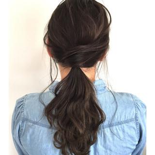 ナチュラル ヘアアレンジ アウトドア 冬 ヘアスタイルや髪型の写真・画像