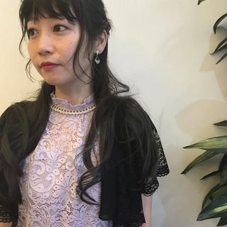 エレガント 簡単ヘアアレンジ ロング パーマ ヘアスタイルや髪型の写真・画像