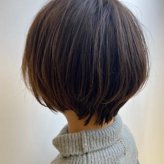 レイヤーカット 大人かわいい 透明感カラー フェミニン ヘアスタイルや髪型の写真・画像