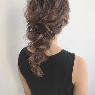 結婚式 セミロング ヘアアレンジ デート ヘアスタイルや髪型の写真・画像