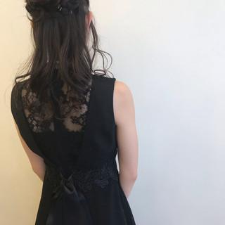 簡単ヘアアレンジ 結婚式 セミロング ガーリー ヘアスタイルや髪型の写真・画像