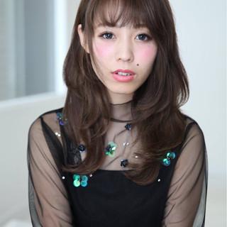 ミディアム 外国人風 前髪あり 暗髪 ヘアスタイルや髪型の写真・画像