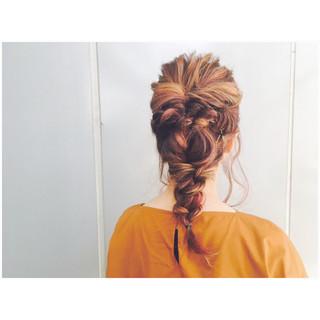 ストリート 結婚式 ヘアアレンジ アンニュイ ヘアスタイルや髪型の写真・画像