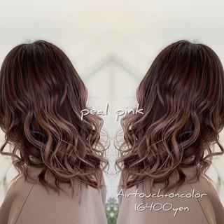 セミロング 外国人風カラー ミルクティーグレージュ ラベンダーピンク ヘアスタイルや髪型の写真・画像