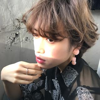 フリンジバング アッシュ デート 前髪あり ヘアスタイルや髪型の写真・画像